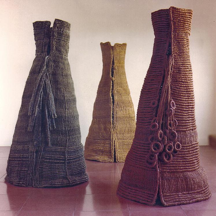 Tres Personatges are three textile sculptures made in macramé, shown at Hitari Museum, Japan 1971.