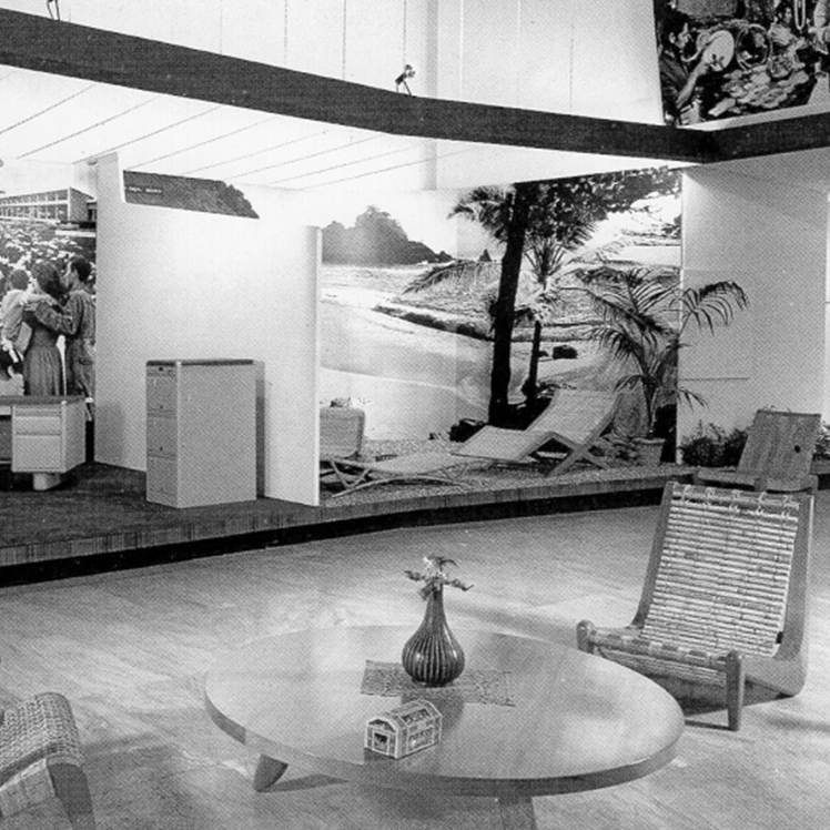 An exhibition in the Museo de Bellas Artes in Mexico, 1952. Organized by Clara Porset, it was the first design exhibition ever to be held in Mexico.