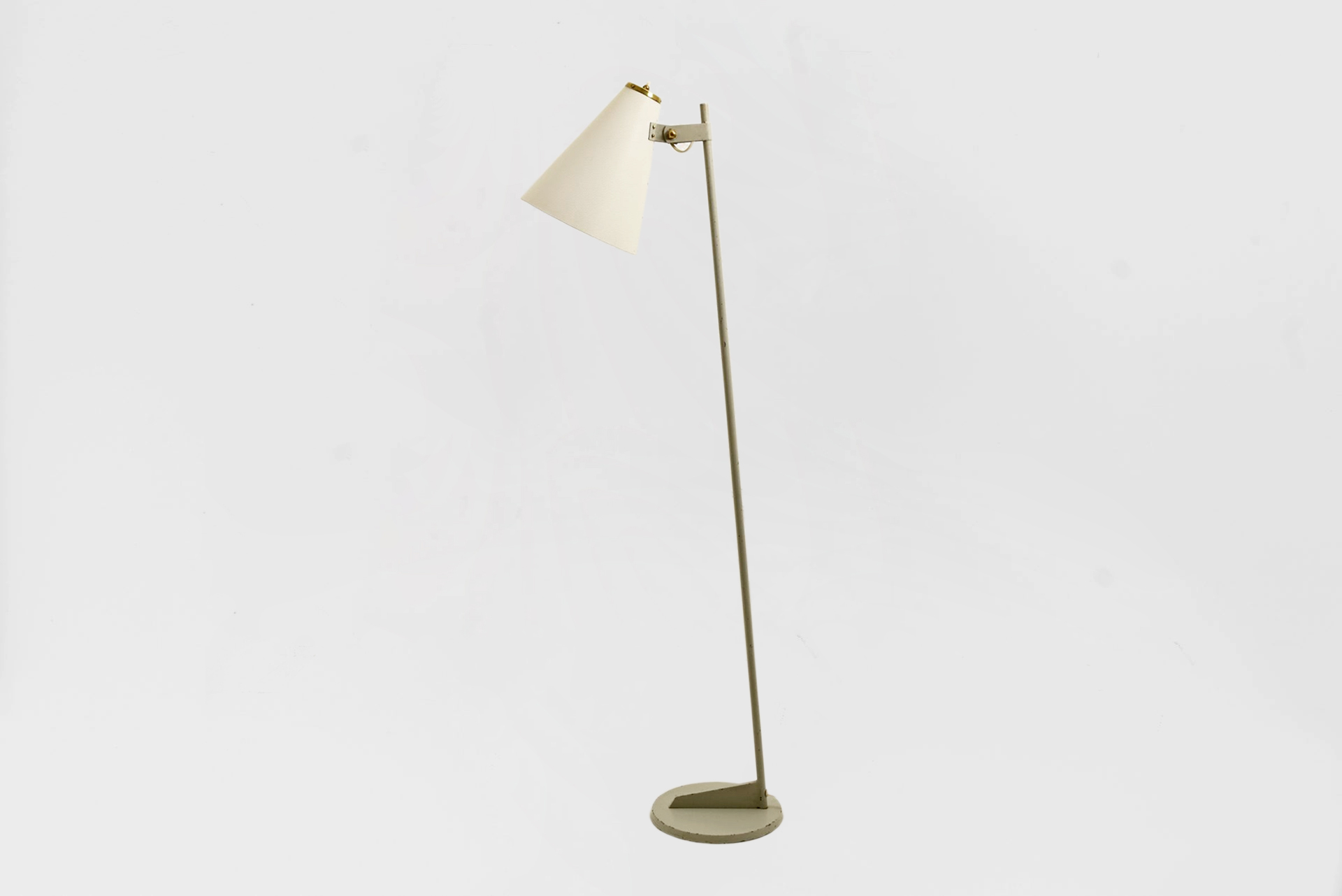 Very rare floor lamp Manufactured by ORNO Finland, 1950 Enameled steel, enameled aluminum, brass