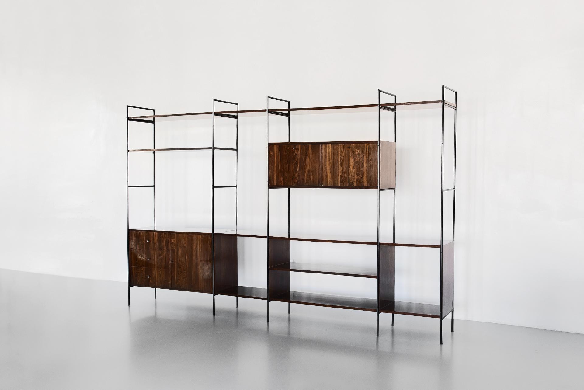 Jacaranda veneer bookcase designer by Geraldo de Barros with Unilabor in the 1950s