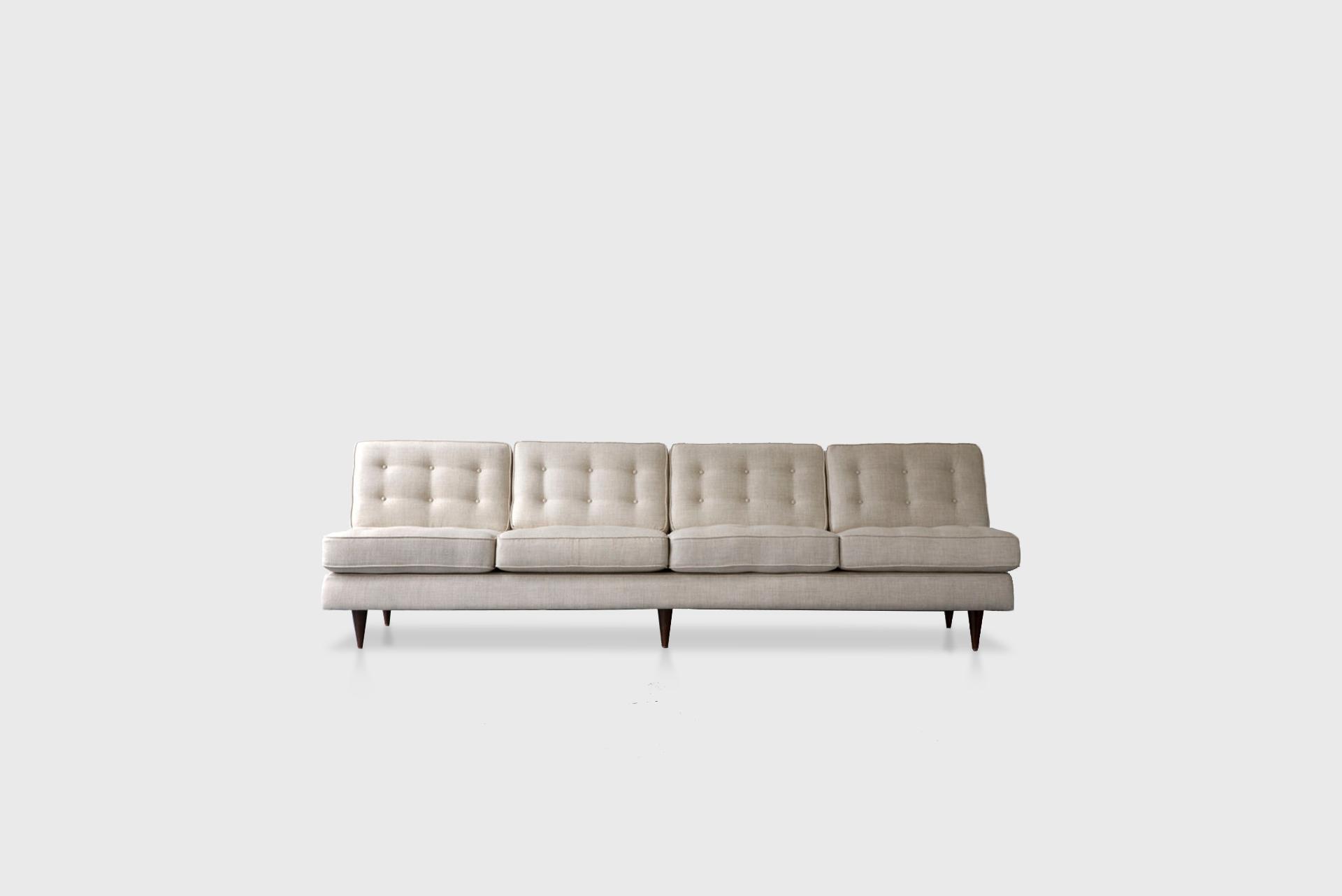 Four-seat sofa Manufactured by Tenreiro Moveis e Decoraçaos Brazil, 1950s Wood, upholstery